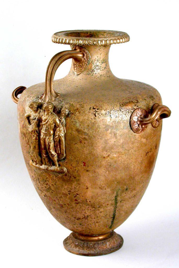 Funerary-urn-Hydria-–-Kalpis-type-350-–-275-BC-